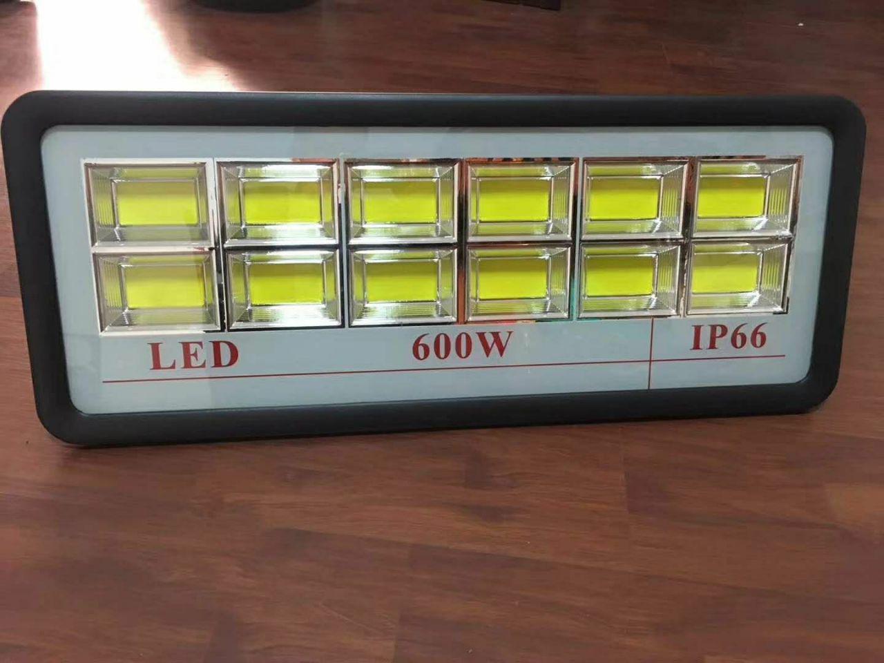 Светодиодный прожектор 600Вт