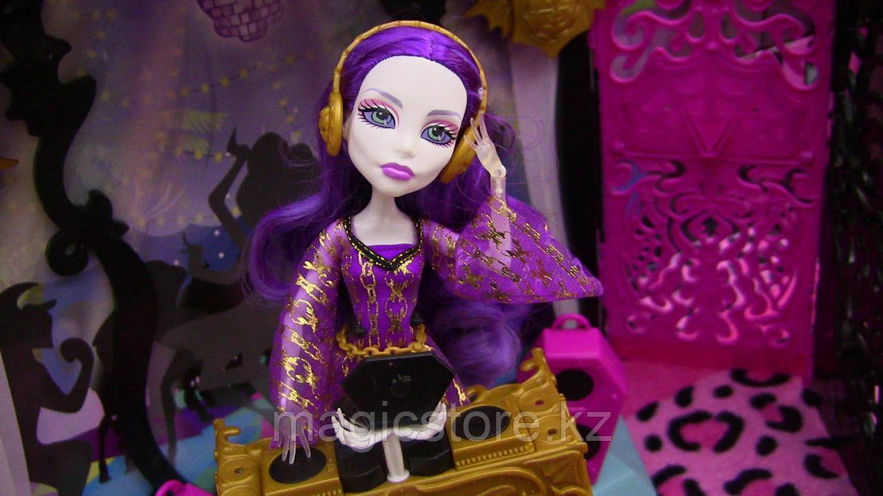 Набор с куклой Monster High Спектра Вондергейст Комната Для Вечеринки - фото 4