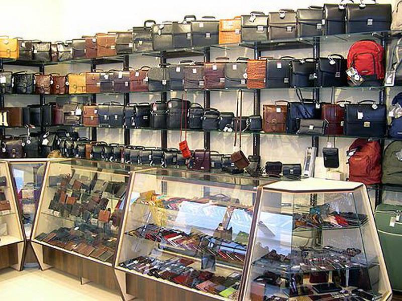 Торговое оборудование для магазина кожгалантереи