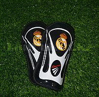 Детские футбольные щитки Real Madrid