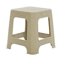 Пластиковый стул бежевый