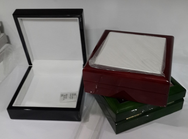 Ювелирная шкатулка (чёрная, зелёная)