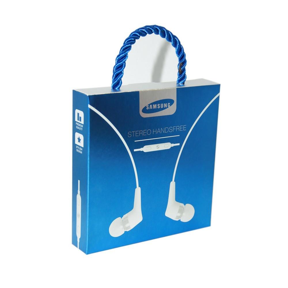 Наушники Samsung в упаковке