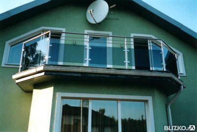 Балконные ограждения из закаленного стекла и металла, фото 2