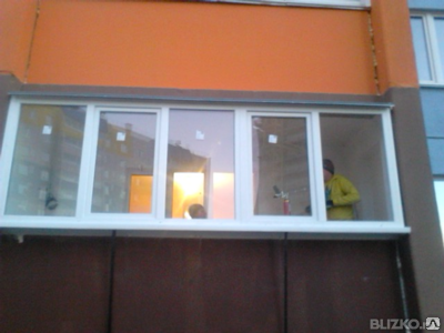 Монтаж балконного остекления