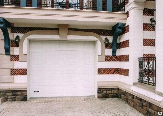 Ворота в гараж секционные подъемные