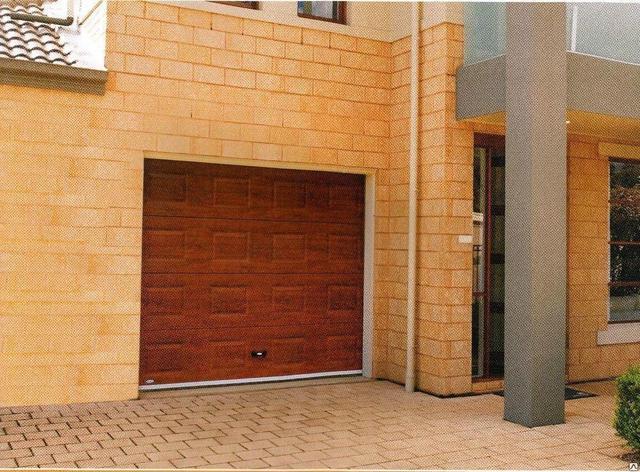 Секционные ворота под ключ, фото 2