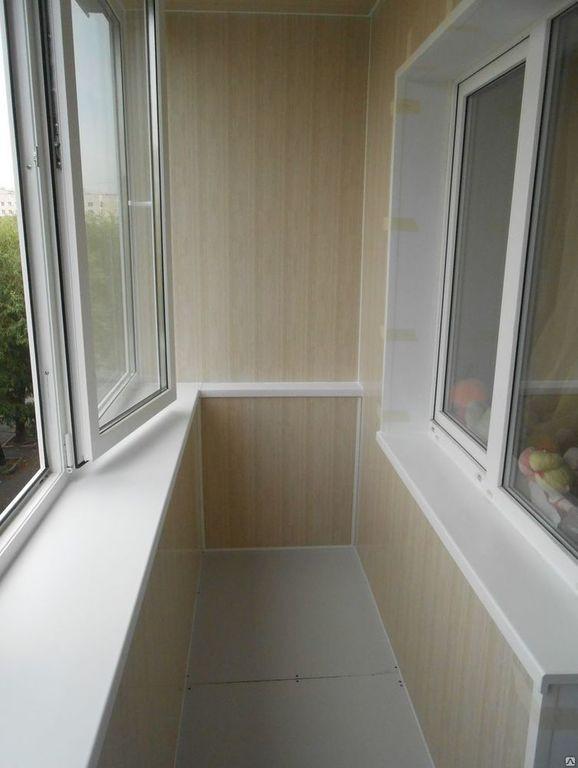 Установка окон и отделка балкона