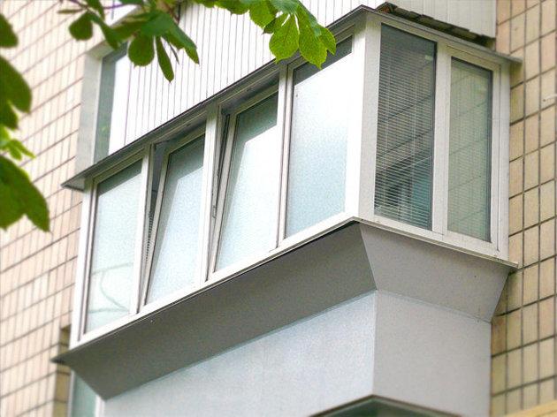 Балкон с выносом профиль ПВХ Deceunink пять камер, под ключ, фото 2