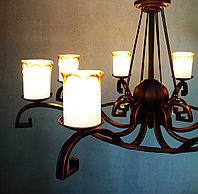 Кованная люстра со стеклянными плафонами, фото 1