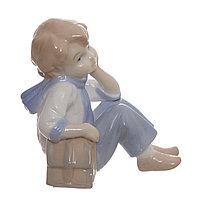 Фарфоровая статуэтка 9 см. Ребенок с ранцем.