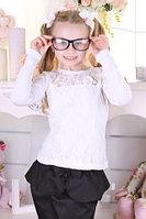 Школьная блуза для девочки с красивой спиной