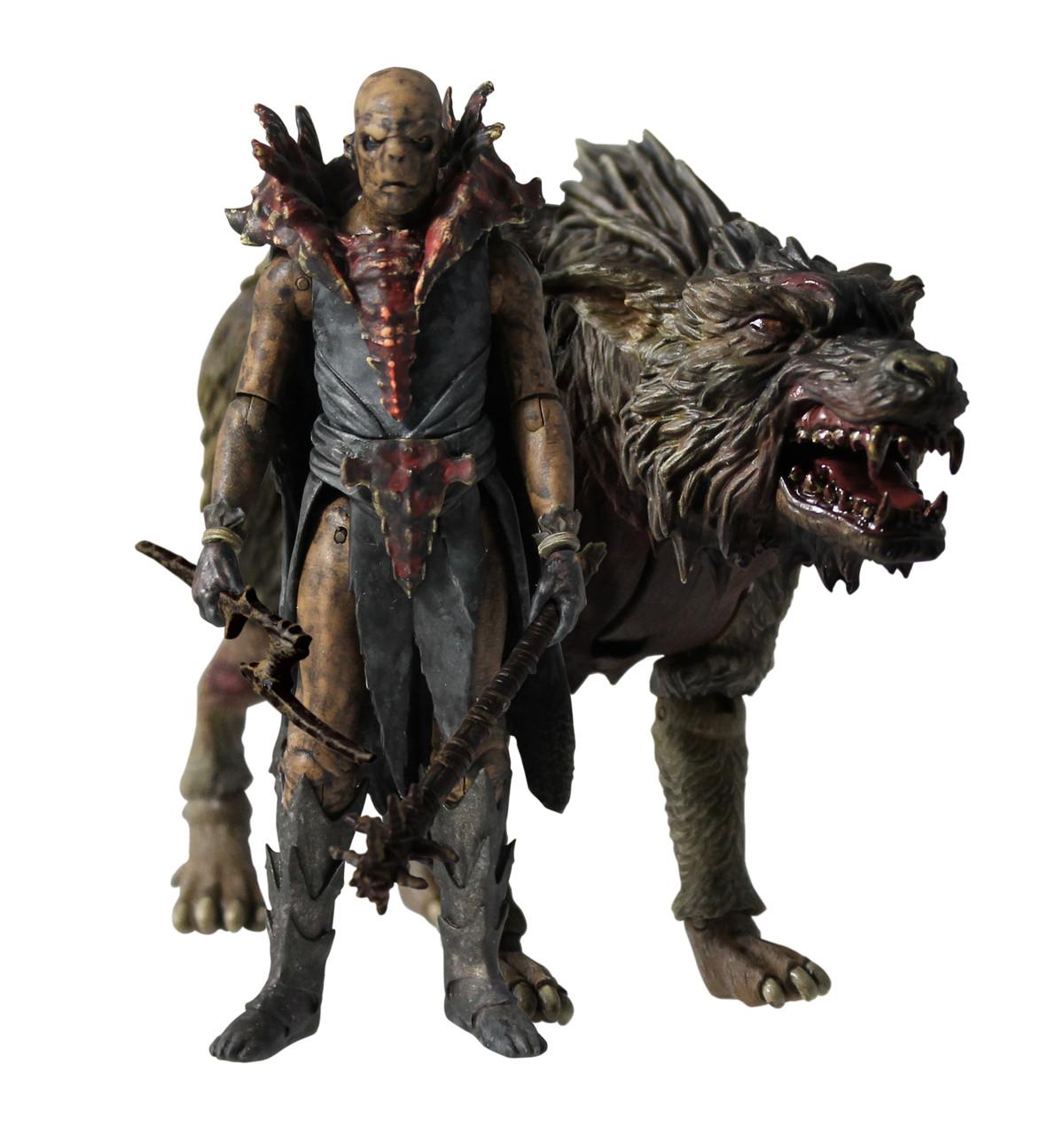 """Орк из """"Хоббита"""" в наборе с волком и оружием. высота 10 см."""