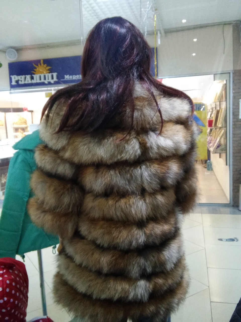 Роскошная женская шуба из лисы с рукавом 3/4 - фото 5