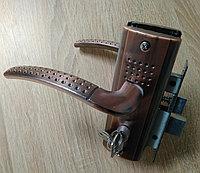 Дверная ручка APS S3011-96-AC с замком Медь