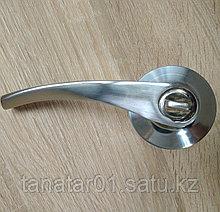 Дверная ручка  Корона 8023-01 SS с защелкой Хром