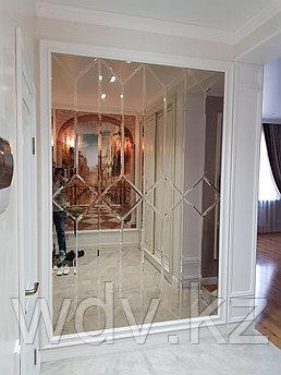 Зеркальное панно от компании WDV