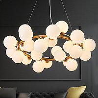 Люстра на 25 лампочек с белыми плафонами в стиле Post-modern