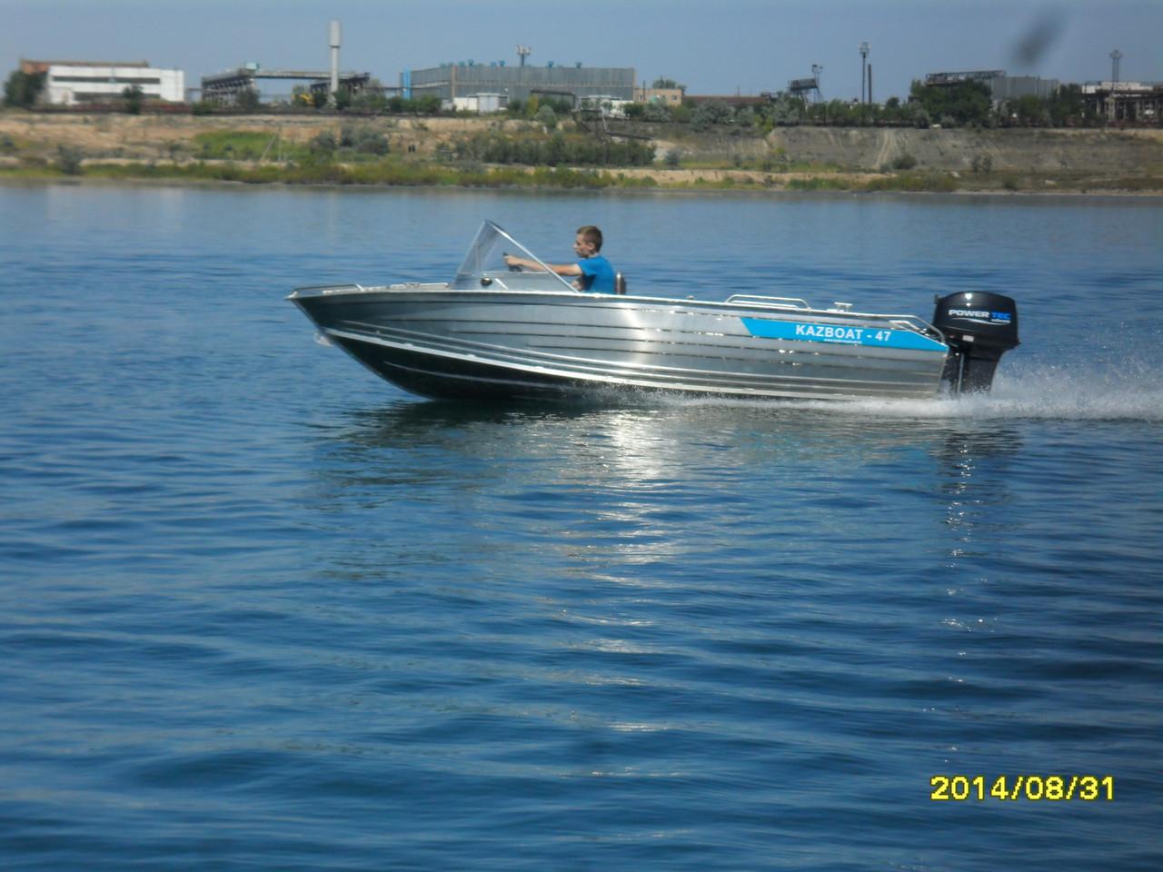 Мотрные лодки с дистанционным управлением Kazboat 47