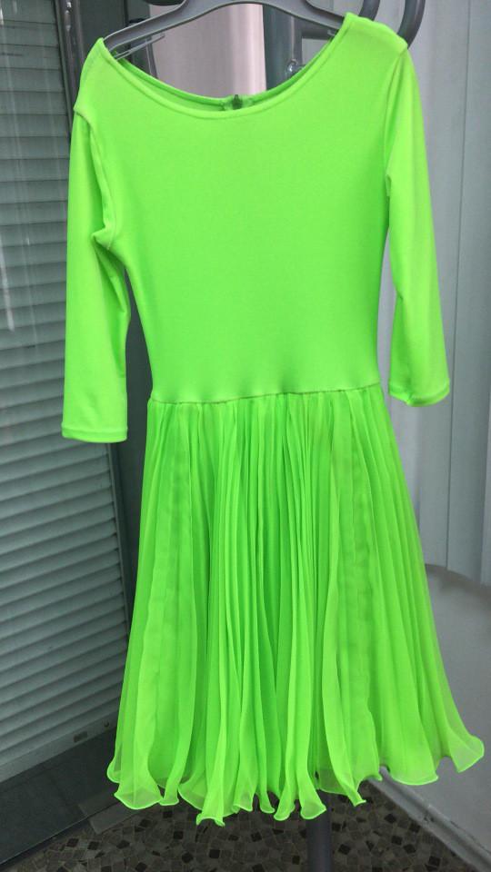 Зеленое платье для танцев