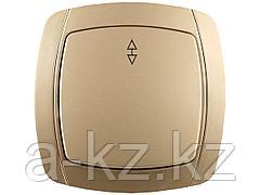 Выключатель СВЕТОЗАР АКЦЕНТ проходной одноклавишный в сборе, цвет золотой металлик, 10А/~250В, SV-54237-GM