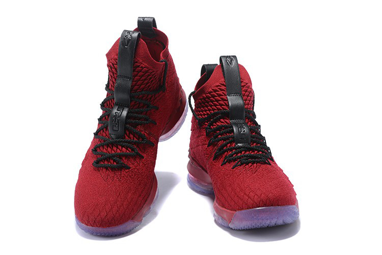 Баскетбольные кроссовки Nike LeBron 15 University Red and Black 44 размер - фото 2