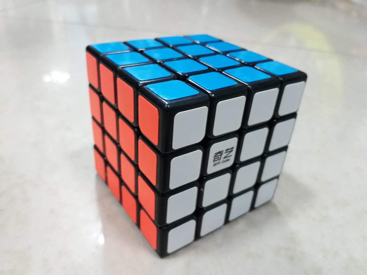 Кубик Рубика 4x4x4 Qiyi Cube в черном пластике