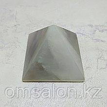 Пирамида из агата, 45х45х37мм