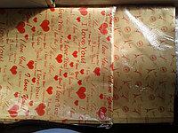 Крафт бумага (газетная бумага) коричневая, рисунок красный