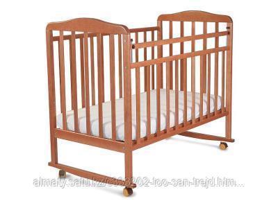 Манеж кровать Митенька ,(колеса-качалка,цвет орех)