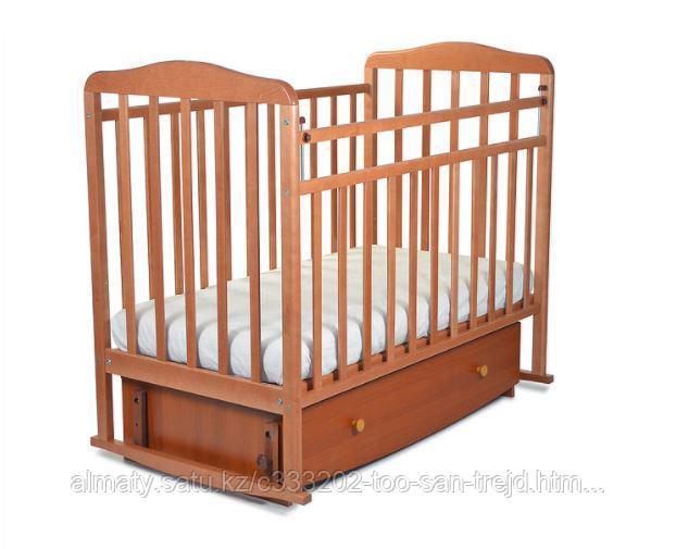 Манеж кровать  Митенька,(с ящиком + маятник,опускающаяся планка),цвет орех.