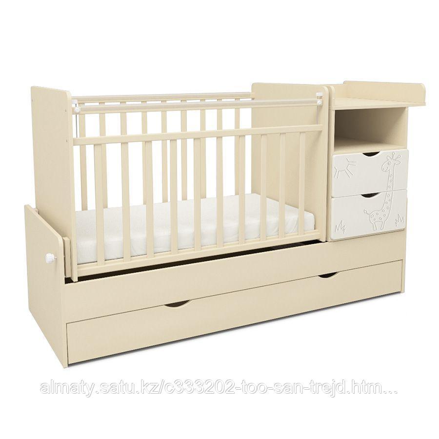 Детская кровать трансформер скв-5 Жираф  с маятником,полка,3 ящика,цвет бежевый/белый
