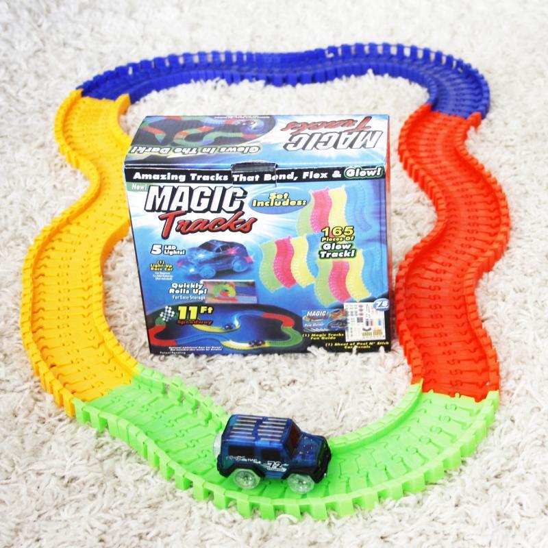 Дорога MAGIC TRACKS 165 деталей + машинка