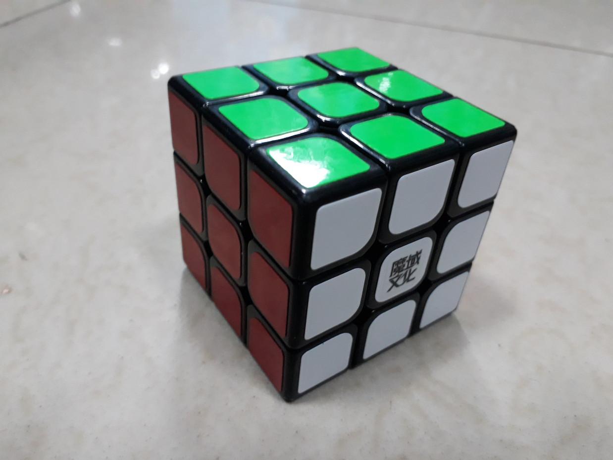 Кубик Рубика 3 на 3 Moyu Weilong в черном пластике
