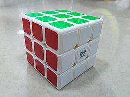 Кубик Рубика 3 на 3 Qiyi Cube в белом пластике