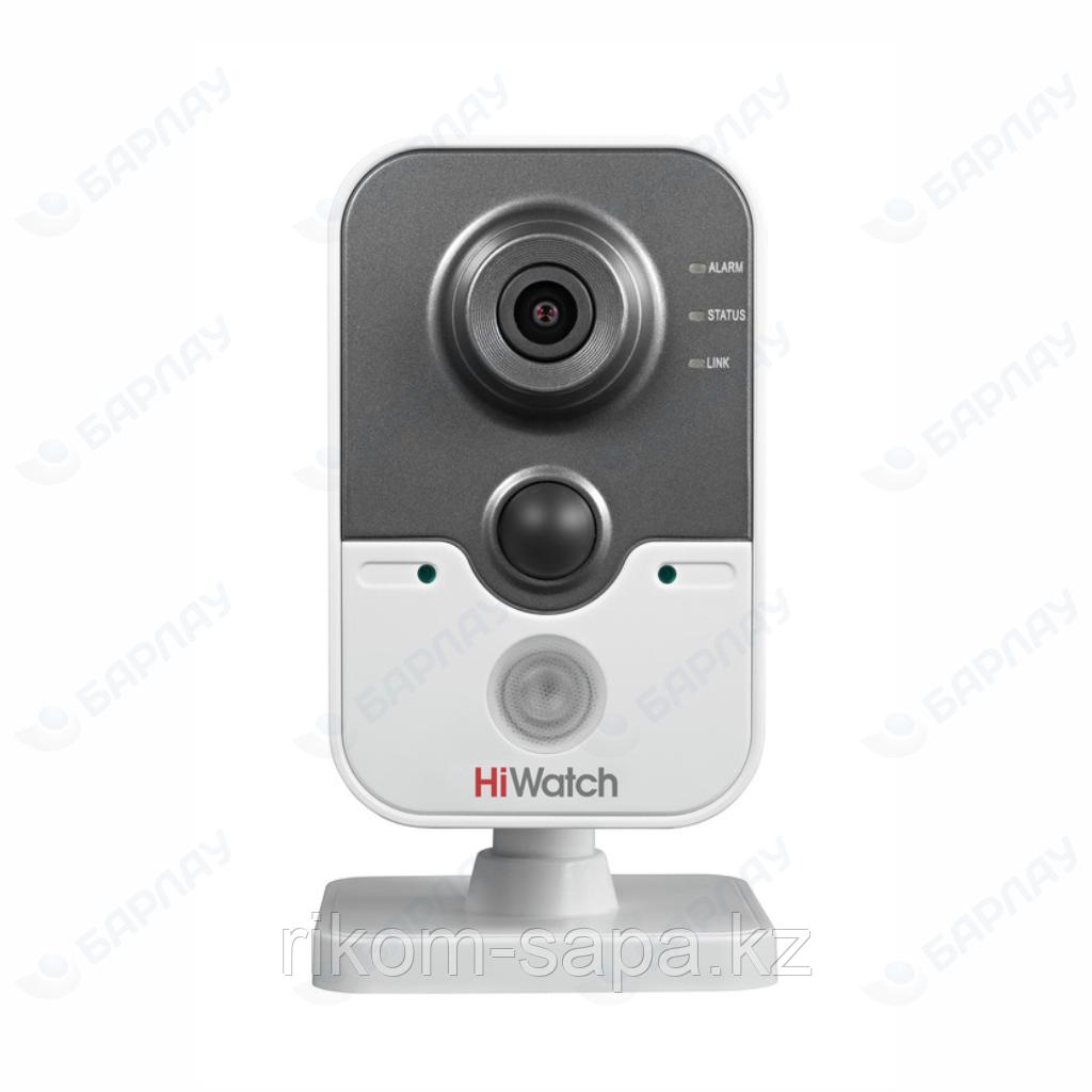 IP видеокамера HiWatch DS-I114W (WiFi)