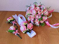 """Свадебный букет """"Нежно розовый"""" + комплект бутоньерок для жениха, свидетеля и подружки невесты, фото 1"""