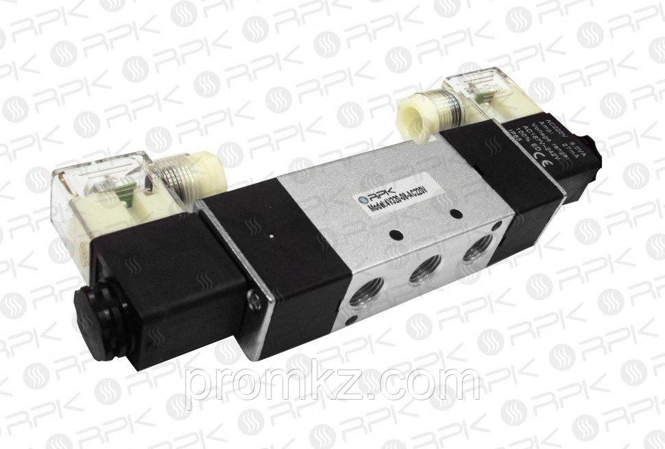 Пневмораспределитель 4V320-08-Г12 (В220)