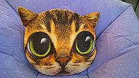 Подушка в форме кошки из полиэстера.
