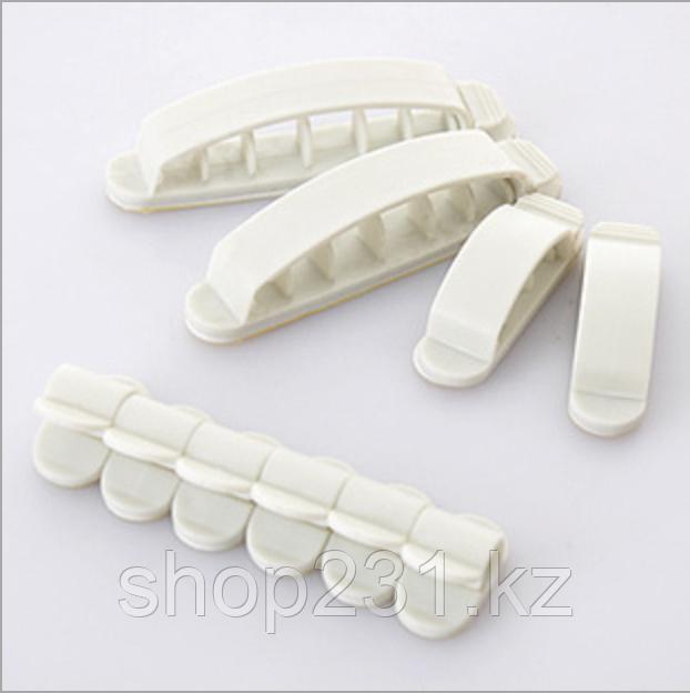 Набор пластиковых креплений для проводов (белый 10шт).