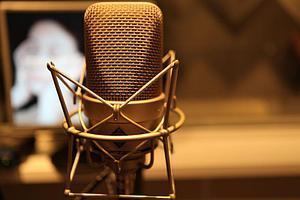 Как правильно озвучивать рекламный аудиоролик?