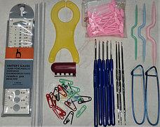 Спицы, крючки, приспособления для вязания.