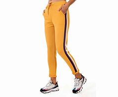 Женские спортивные штаны и шорты