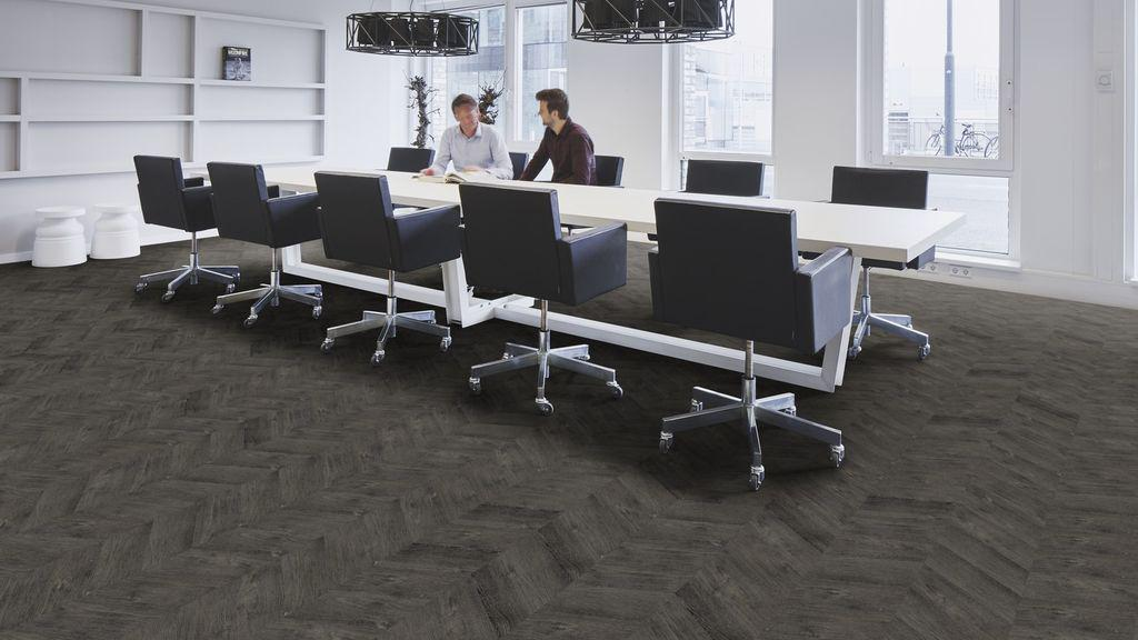 ПВХ плитка Forbo Effecta Professional 4042 PR-PL Black Fine Oak
