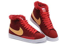 зимние кроссовки женские Nike Air Max красные