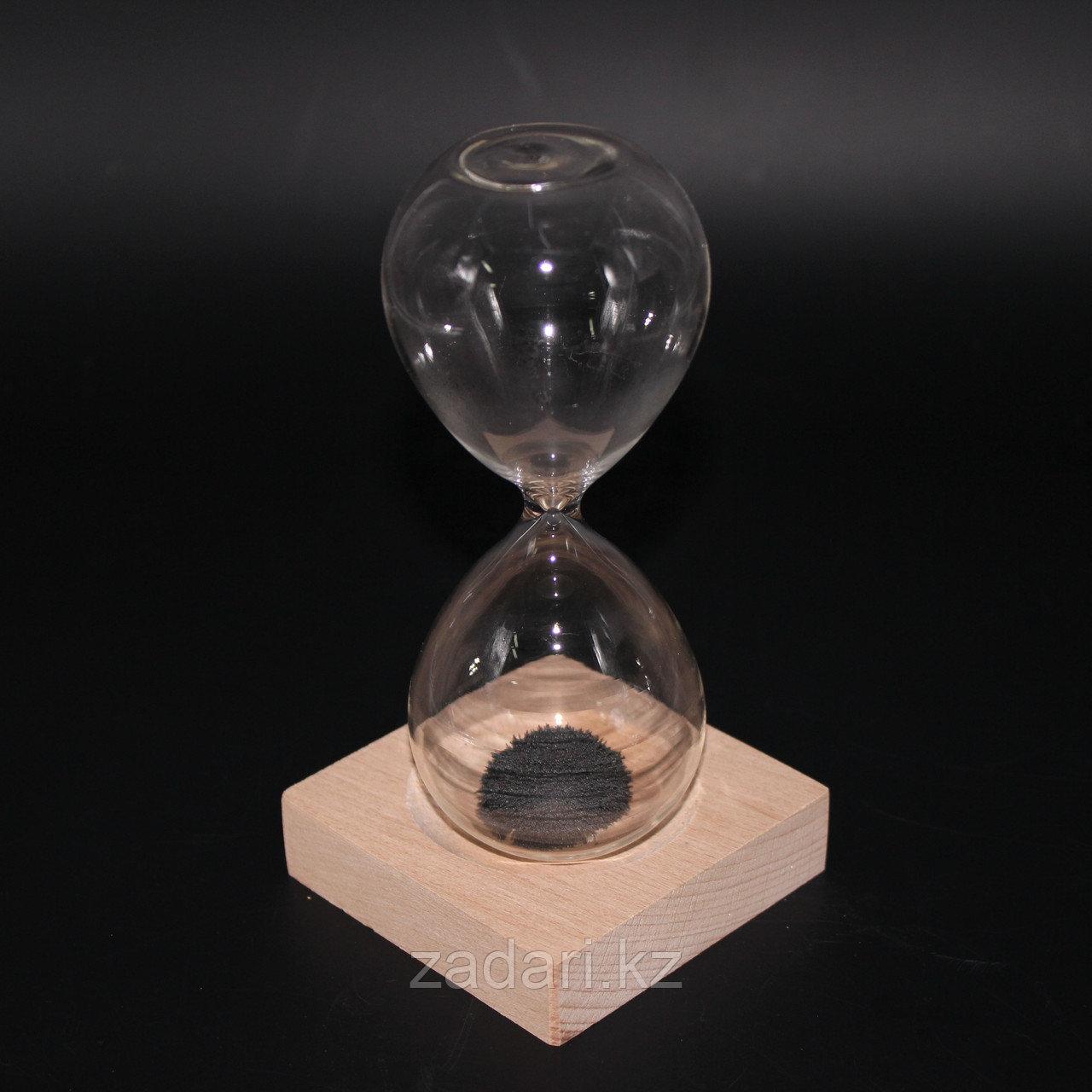 Песочные часы с магнитной крошкой