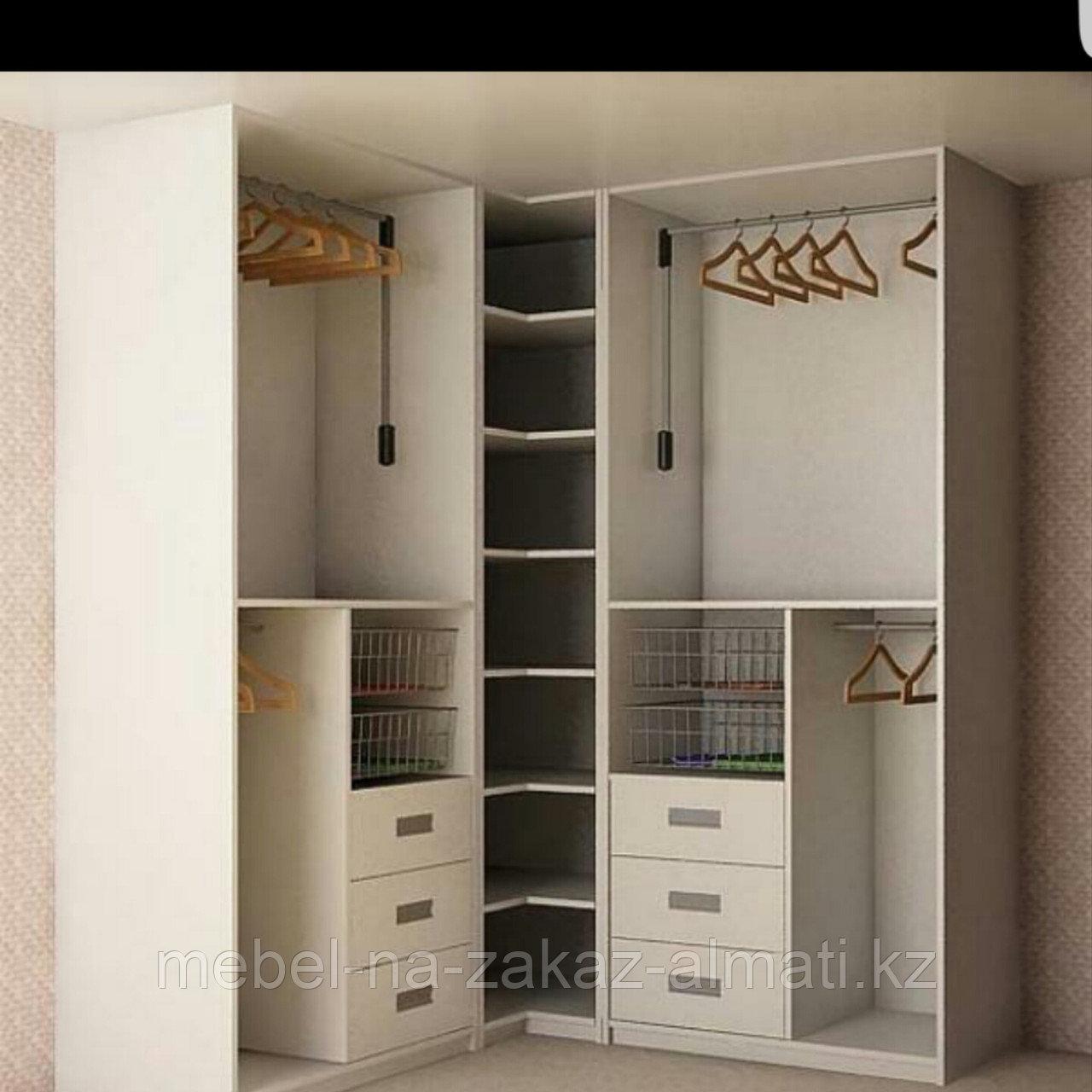 Гардеробные шкафы под заказ в Алматы