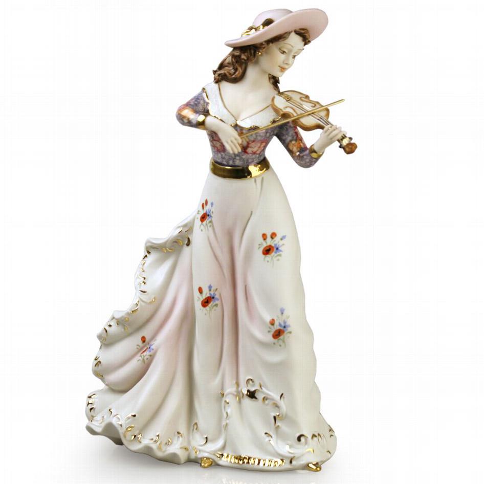 Фарфоровая статуэтка Девушка со скрипкой. Ручная работа,Италия