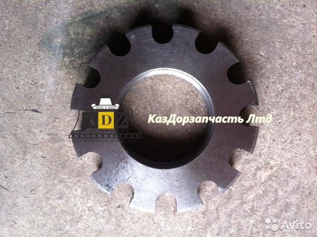 Стопорная гайка цепного колеса M75*2, 85513040  на автогрейдер XCMG GR215, GR180