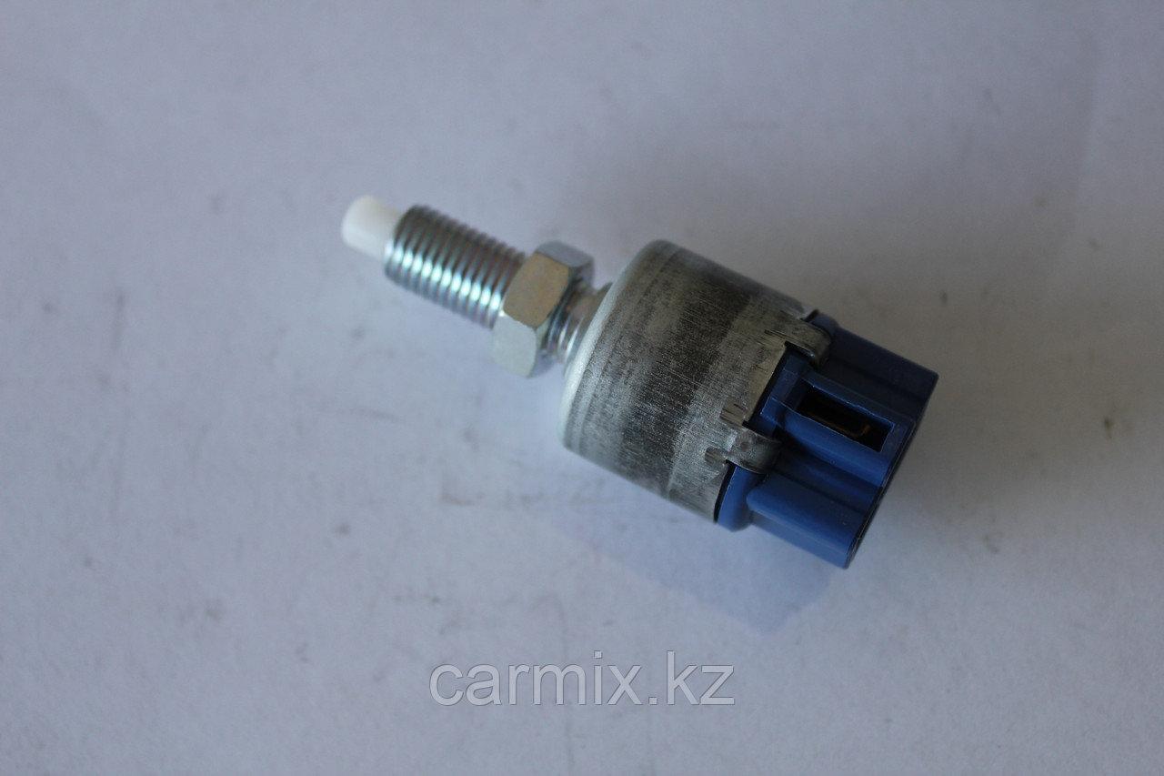 Датчик включения фонаря сигнала торможения LX470 UZJ100, IS300 JCE10